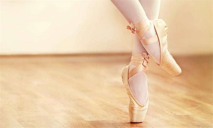 60-Minute Dance Lessons for Individuals or Couples at Evolution Dance