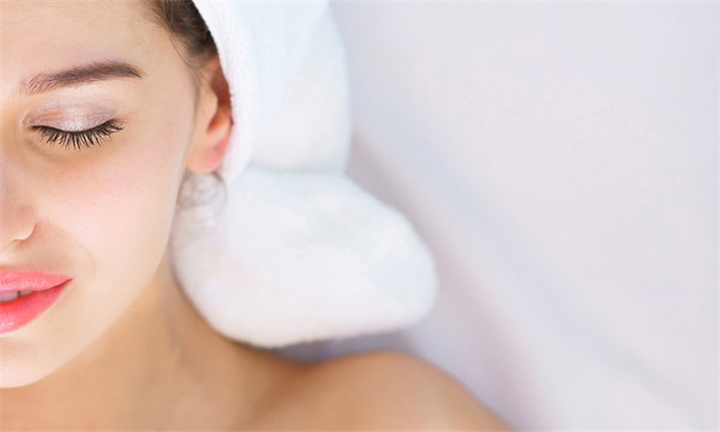 Aesthet Enzymatic Keratopeel or Vitaderm Deep Cleanse Facials with At Beauty Wellness