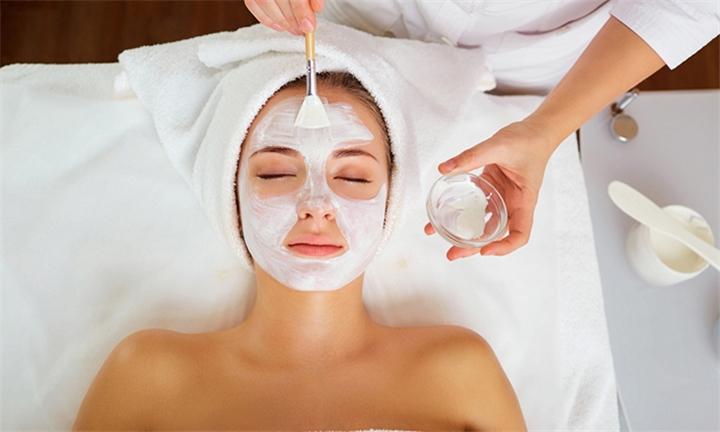 Aesthetic Cosmetology Pro Facial at Derma Bar ZA