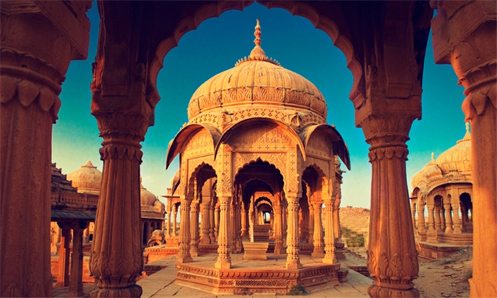 India: 8-Day Golden Triangle Tour with Udaipur Including Accommodation, Breakfast and More!
