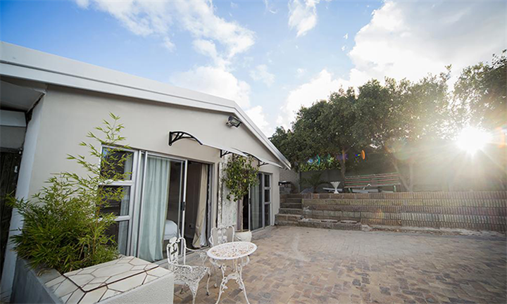 Cape Town: 1-Night Anytime Stay for Two Including Breakfast at Heaven's View Guesthouse