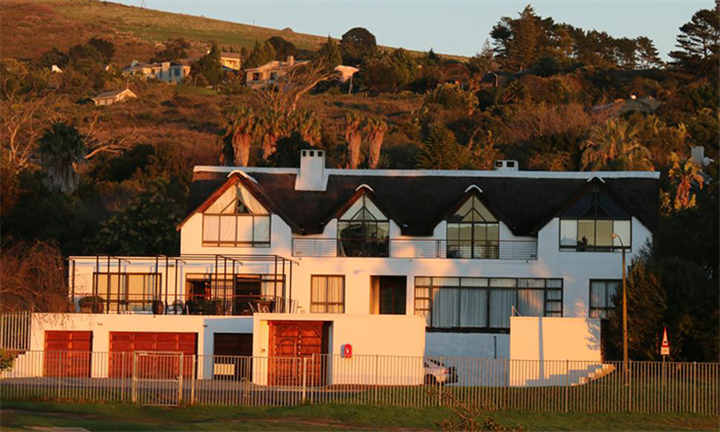 Cape Town: 1-Night Anytime Stay for Two Including Breakfast at Welgemoed Guest House