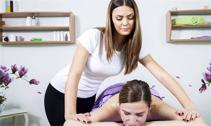 Online Course: International Massage Diploma from New Skills Academy