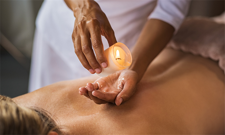 30-Minute Candle Back Massage at LaBella Beauty