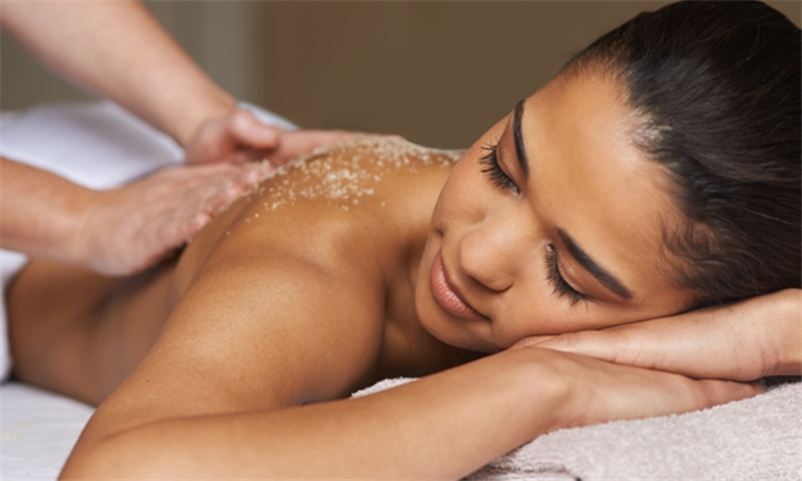 80-Minute Exhilarating Full Body and Exfoliating Massage at Calme Beauty Studio