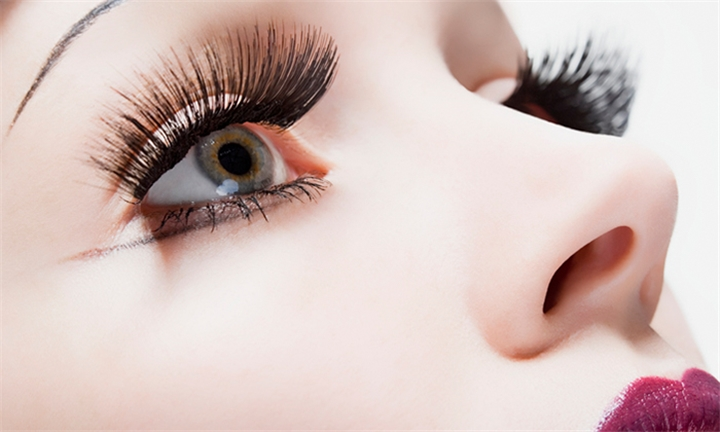 Full Set of Eyelash Extensions Including 2-Week Fill at Traditional Healthy Therapy
