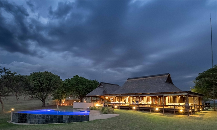 Mpumalanga: 2-Night Stay for Two Including Breakfast and Dinner at Muluwa Lodge