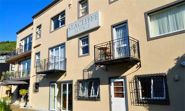 Cape Town: 1 or 2-Night Anytime Stay for Two Including Breakfast at Seacliffe Lodge