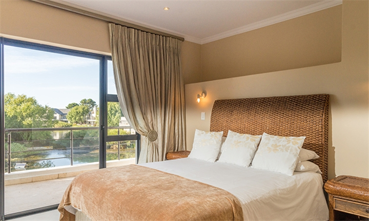 Cape Winelands: 2-Night Anytime Self-Catering Stay for up to Six at The Perch