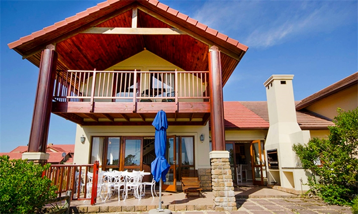 Knysna: 2-Night Self-Catering Stay for up to Four at Pezula Golf Estate