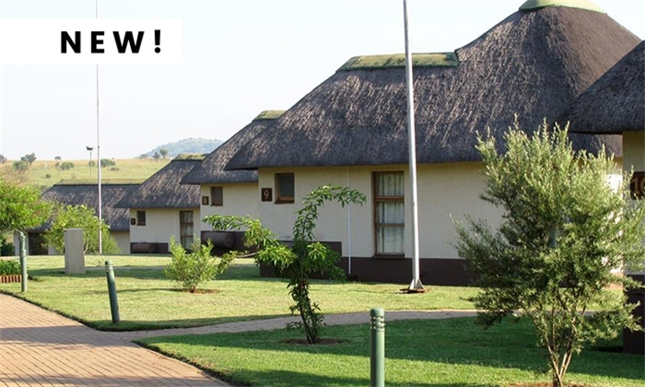 Hartbeespoort: 1-Night Anytime Stay for Two Including Breakfast at Amanzingwe Lodge