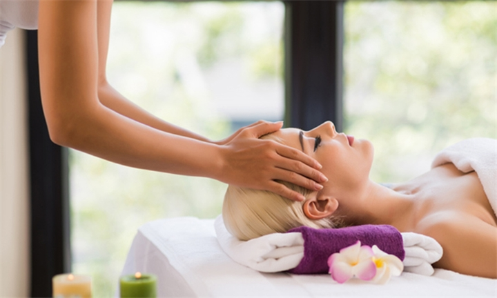90-Minute Couples Pamper Package at Tatiana's Spa