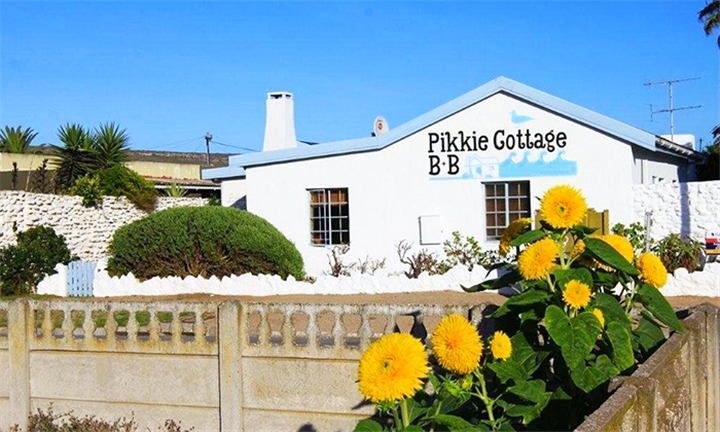 Saldanha: 2-Night Stay for Two Including Breakfast at Pikkie Cottage B&B