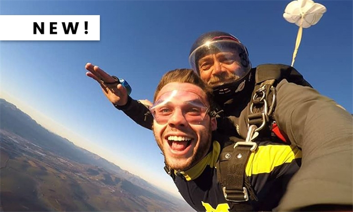 An Experience of A Lifetime: 9000ft Tandem Skydiving Experience with Skydive Two Oceans