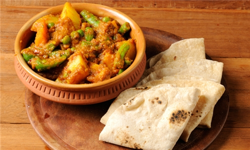 Take-Away: Choice of Vegetarian Curry with Roti for Two at Go Veg