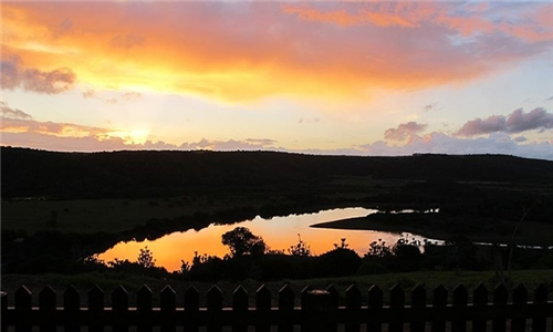 Eastern Cape: 1 or 2-Night Anytime Self-Catering Stay for Two at Horns Up, Kenton-on-Sea