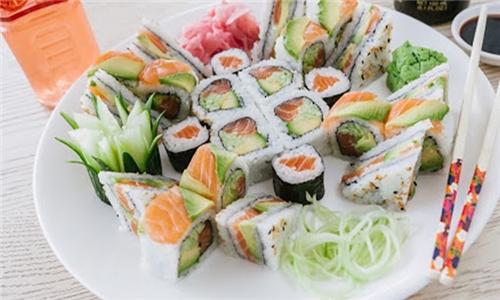 Take-Away: 26-Piece Salmon Sushi Platter at Hao Ke Lai