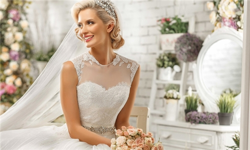 Pay R99 and Get R500 off this Bridal Package with DYME