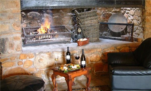 Wine Tasting Experience Including Cheese & Charcuterie Platter at Fort Simon Wine Estate