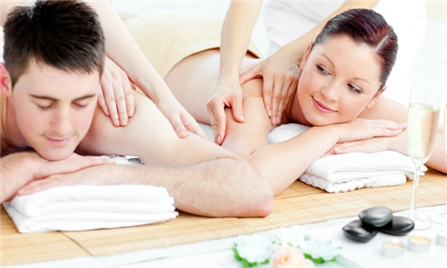 Full Body Massage Including Light Meal at Pyramid Day Spa