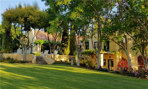 Western Cape: 1-Night Anytime Stay for up to Four in a Luxury Suite or Self-Catering Cottage at Villa Tarentaal