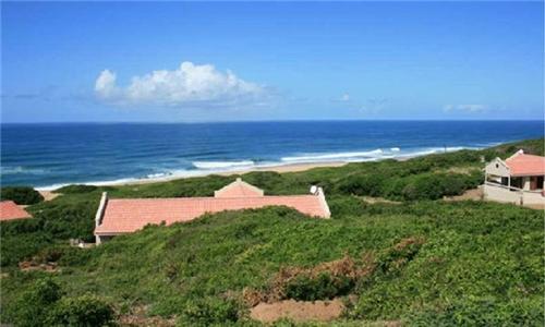 Mozambique: 3 ,4, 5 or 7-Night Self-Catering Villa Stay for Ten at Go Wild Resort Villas