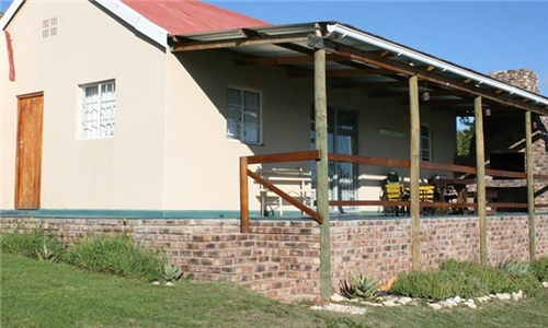 Eastern Cape: 1 or 2-Night Anytime Self-Catering Stay for up to Four at Grootnek Guest Farm