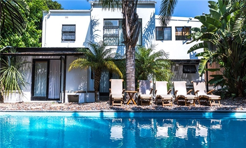 Cape Town: 1 or 2-Night Anytime Stay for Two Incl Breakfast at Antrim Villa