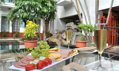 Mpumalanga: 1 or 2-Night Stay for Two Including Breakfast at Hotel Promenade Nelspruit