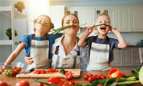Online Course: Cooking with Kids from International Open Academy