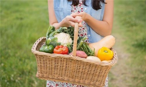 Learn with an Expert Online – Self-Sufficient Veg Gardening