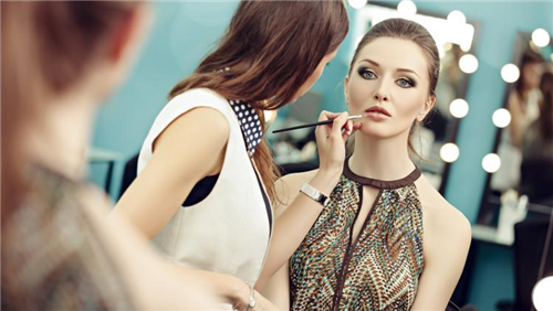 Online Course: Makeup Artistry from International Open Academy