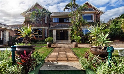 KwaZulu-Natal: 1 or 2-Night Anytime Stay for Two at Hilltop Manor 201