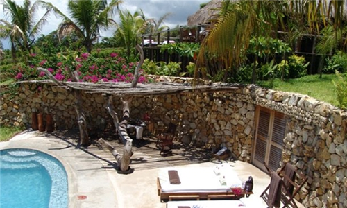 Mozambique: 6-Night Anytime Self-Catering Stay for up to Eight at Ebony Beach Villa