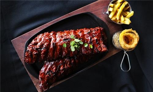 Pick-Up: 500g Pork Ribs with Chips and Onion Rings at Yami Rib & Burger Elridge