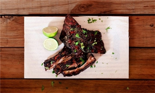 Sit-Down: 600g Fall-off-the-Bone Pork Loin Ribs with Chips from The Mash Tun