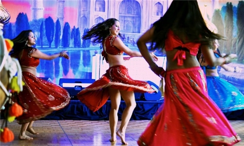 Choice of 8 or 12 Online Bollywood Dance Classes for 1-Month from Delhi Dance Academy
