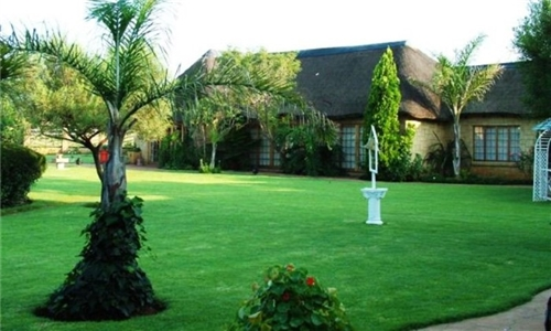 Magaliesburg: 1 or 2-Night Anytime Stay for Two at Swallow's Inn Guesthouse