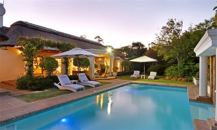 Western Cape: 2-Night Stay in an Exclusive Upmarket Self-Catering Villa for up to 10 Guests at Villa Chimanimani