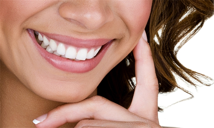 Teeth Whitening Session at The Fat Freeze Clinic - Shape & Beauty