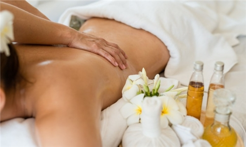 2 x 50-Minute Aromatherapy Full Body Massages at La Vita Spa at The Palace Hotel Durban