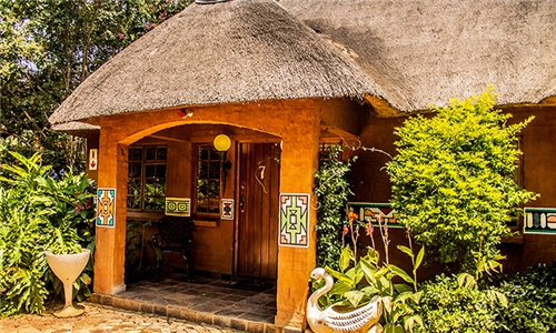 Magaliesberg: 1 or 2-Night Anytime Stay for Two Incl Breakfast at Usiba Country Lodge
