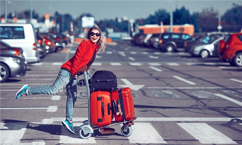 3, 5 or 10 Day Airport Parking Services with Air-O-Car