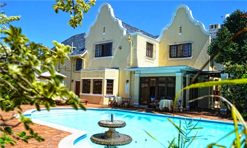 Cape Town: 1 or 2-Night Weekend Stay for Two Including Breakfast at Cotswold House