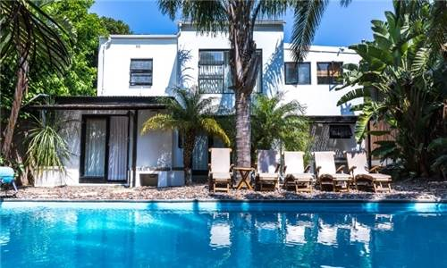 Cape Town: 1-Night Stay for Two Including Buffet Breakfast at Antrim Villa