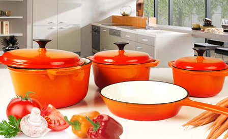 Perfect your cooking with a 7-piece cast iron pot set for R1599, including delivery