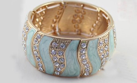 Chunky diamante bangle (black or blue) for R299, including delivery (save 25%)