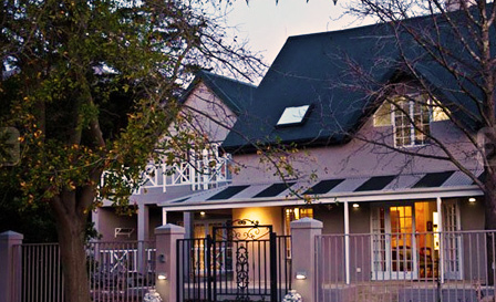 Stellenbosch: Weekend stay for 2 including dinner and breakfast for R1499 at the 4-star Baruch Guest House (save 46%)